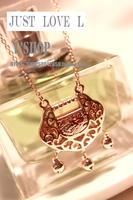 Rose gold longevity lock pendant necklace delicate cutout chain macrobian fashion design short necklace