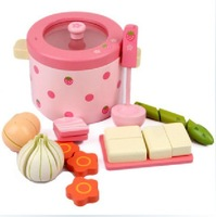 China Supplier High Quality Mother Garden Strawberry Vegetable Hot Pot Kitchen Set Girl Interactive Wooden Toys Kid Play House