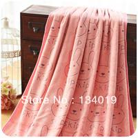 Pink cartoon cute little animals towel super absorbent, breathable, increase thick bathrobe / bathrobes
