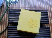 Lemon and Orange bath handmade soap remove acne whitening,nourish the skin weaken melanin, brightens the skin 70g
