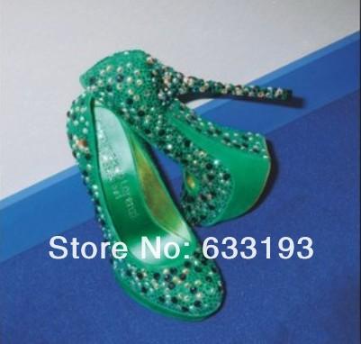 Elegant name brand designer pumps yellow black white pointed heels for