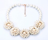 2013 new design fashion choker necklace elegant pearl flower necklace gold plated length 49cm
