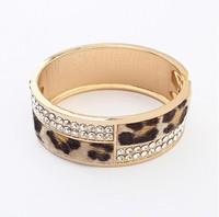 Min. order is $15(mix order)2013 fashion bracelet Personality leopard horsehair Metal Bracelet