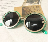 The orders of at least $10!!(mixed Order) G010 Fashion style sports women round sunglasses Free shipping