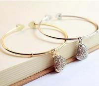 Cheap price wholesale women's carved peach heart rhinestones bracelet WL5037
