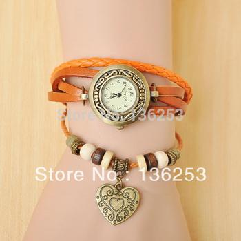 Wholesale Latest styles Retro Fashion Quartz Watch Women Leather Vintage Watches Casual Lady Wristwatches Heart Pendant