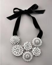 K-S-J /  FRE SHIPPING   /Black flannelet white luxury full rhinestone necklace (min order $30)(China (Mainland))