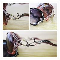 2014 Promotion Seconds Kill Freeshipping Adult Butterfly Brand Rhinestone Diamond Women's Anti-uv Sunglasses Fashion Polarized