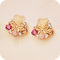 0681 Min.order is $8 (mix item) Wholesale Fashion Jewelry Vintage Exaggerate Heart Bowknot Imitation Diamonds Stud Earrings