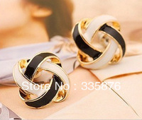 (MIN order $10 mixed order) designer earrings female vintage cutout knitted white-and-black stud earrings free shipping E-011