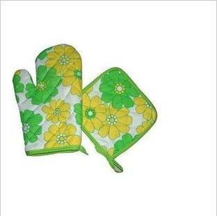 At home microwave oven gloves twinset microwave oven special gloves(China (Mainland))