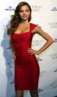 Одежда и Аксессуары Sexy Strapless Backless Victoria Beckham Bandage Dress Celebrity Dresses 2013 Sleeveless Bodycon Elegant Party Evening Dress