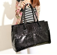 Free/drop shipping Fashion shiny 2013 fashion serpentine pattern bag crocodile pattern women's handbag messenger bag