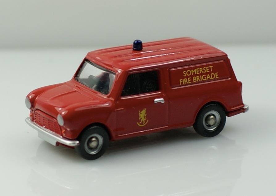 Corgi mini fire truck trackside 6 mini van(China (Mainland))