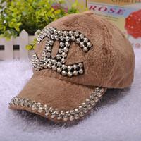2014 New Fashion Women snapback hats Rivet Punk Caps Hot Selling baseball caps thickenning winter hats for women PS27