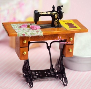Golden Vintage GRANDMA'S Sewing Machine Sewing table 1/12 Dollhouse Miniature Furniture Free Shipping