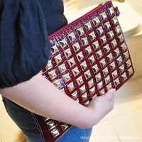 0630 Free shipping Queen 2013 punk rivet day clutch bag envelope bag shoulder bag cross-body women's handbag