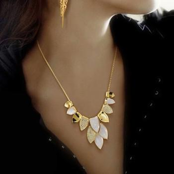 2013 New Fashion Exquisite Elegant Leaf Pendant Embellished Alloy Necklac Short Design Accessories
