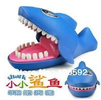 Free shipping! Strange new whole person Tricky tuba sound bite the hand shark bite finger toys luminous creative toys wholesale