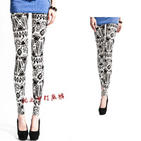 Free shipping Hot 2013 women's black and white geometric patterns graphic print legging pantyhose