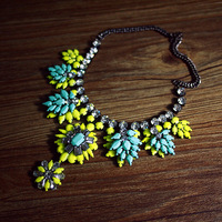 Baroque Full Rhinestone Flower Luxury Neon Color Block Short Exaggerated Necklace Fashion Jewelry