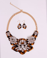 Free Shipping Wegirl 6 color2014 Acrylic Statement Jewelry Sets Rhinestone18k Gold collar Necklace Earring Fashion Jewelry 2T273