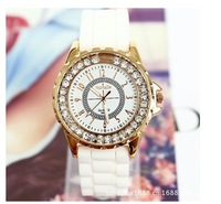 Free shipping In 2013 the new authentic WoMG brand watch men and women in South Korea rhinestone fashion watches