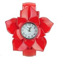 Wholesale Fashion 5 Petals Flower Lady's Bracelet Watch Indicate Time Quartz Round Dial.
