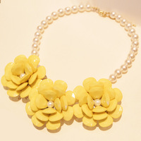 Fashion new arrival exquisite elegant candy color vintage classic small camellia pearl flower chain short necklace