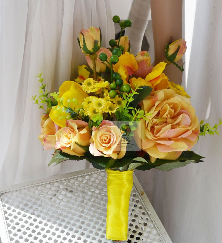 Free shipping, the bride Wedding bouquet yellow roses tulips Silk flowers(China (Mainland))