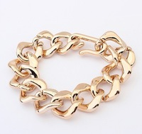 Min. order 10USD(mix order) SPX3650 New 2013 Fashion Charms Chain Gold Bracelet Jewelry