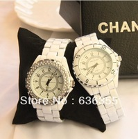 Lovers watch fashion table white ladies watch waterproof table vintage Size number please note Free shipping