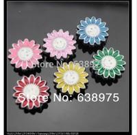 100pcs 8mm Smiling Flower Slide Charms