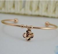 High quality Oval Open Cuff Bijoux Channel Brand Stainless Steel Titanium Bracelet Mount 18k rose Gold Flower Pendant For Women