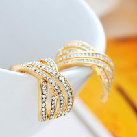Real Gold Plated Color Retention Process / Inlaid Austrian Zircon / Anti-Allergy Titanium Steel Needle / C-shaped Stud Earrings