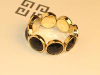 Korean luxury and elegant single layers of pearl acrylic golden edge round bangle bracelet with black stones