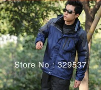 HOT ! Free shipping 2013 autumn winter New fund,Waterproof, breathable Outdoor, mountain hiking, man jacket coat lining+hood