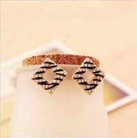 Min order is $ 10  South Korean Style Fashion Elegant Full Rhinestone Leopard Hollow Square Earrings Stud Earrings