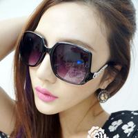 Square big box Women  fashion sunglasses chain sunglasses personality the trend of glasses  free  shipping