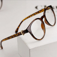 Vintage Glasses Fashion Women and men Retro Eyeglasses Inspired Skull Style Frames with clear Lens A021