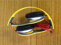 Yellow Color High Quality Headphone for iphone 4 for iphone 4s for iphone 5 for iphone 5s Drop Shipping Christmas gift