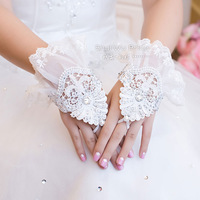 Free Shipping! Fashion Rhinestone Wedding Dress Gloves Lucy Refers To Laciness Lace Short Design Fingerless Gloves ST042