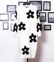 2013 autumn and winter fashion black and white knitted flower graphic patterns sweater long design one-piece dress