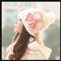Free shipping new bow three balls thickened Miss Mao Xianmao knitted hat