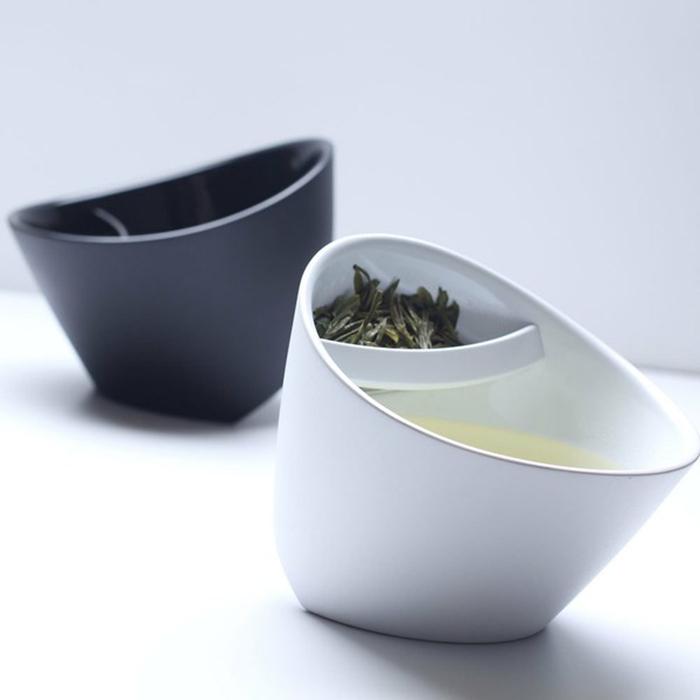 Teacup - A Twist on Tea tea cup,White& Black tilt tea cup(China (Mainland))