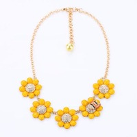 Free Shipping Sweet Elegant Yellow Rhinestone Flower Bees Short Design Women's Chunky Choker Bib Statement Necklaces N1535