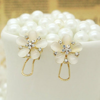 Min order is$10 2013 Vintage exquisite female brief cat-eye pearl  stud flower earrings anti oxidation accessories