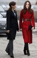Fashion Winter Royal Kate Middlton Turn-down Collar Elegant Long Coat Red Bride Coat Wool Bandage Long Trench Coat for Ladies