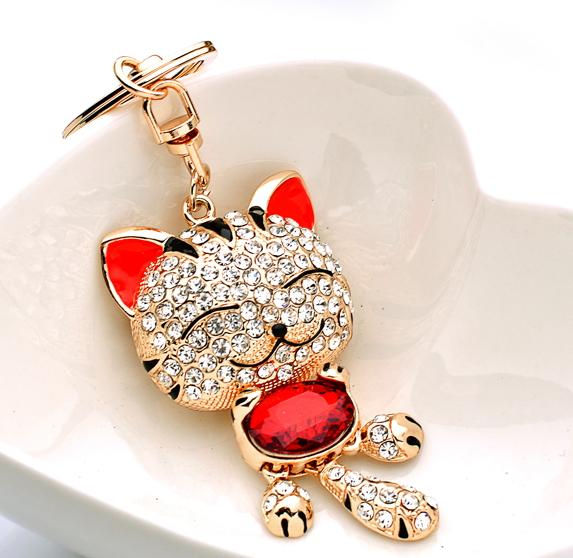 Lucky cat crystal rhinestone keychain cat evil spirits lucky car key chain women's handbag birthday gift(China (Mainland))