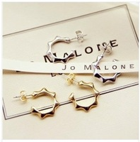 Free Shipping(MOQ 10$ Mix)Korea 2013 Hot Sell Silver Plated Sun Rivet Spikes Women Stud Earring Wholesale